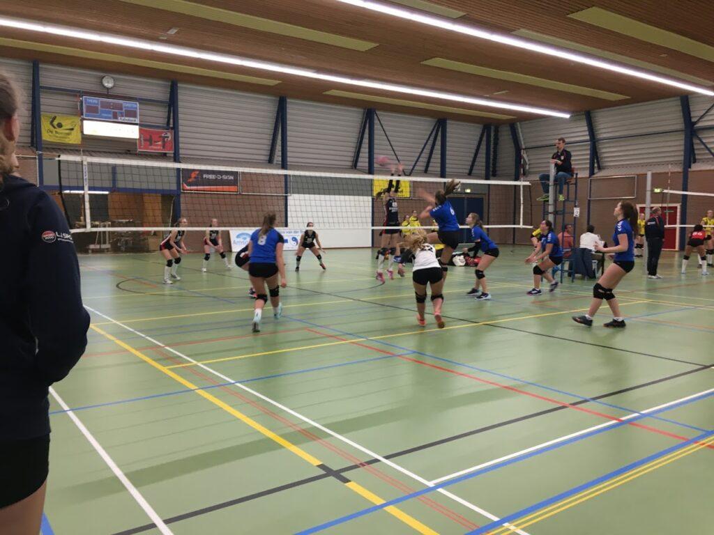 RVV meisjes in actie tijdens NOJK 2020